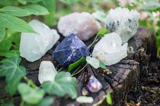 La lithothérapie : le pouvoir des pierres au service de la confiance en soi