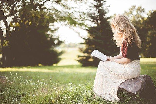 Timide ou introverti : quelles sont les différences ?